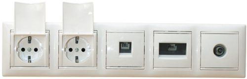 Группа розеток, включающая в себя силовые разъемы, телефонное, компьютерное и антенное соединения в одной рамке
