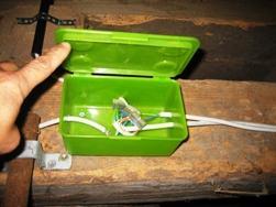 Электропроводка на чердаках и в подвальных помещениях